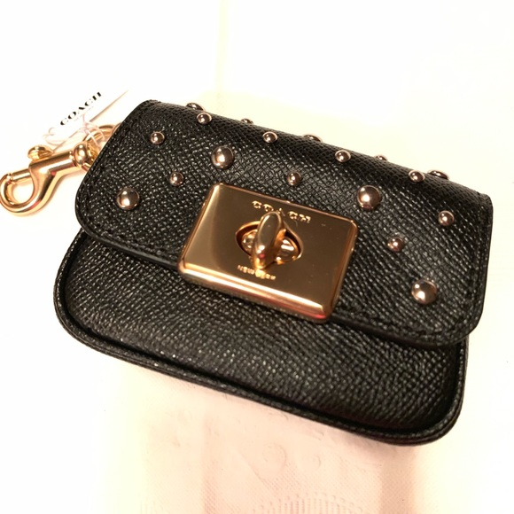 Coach Handbags - 🔥NEW🔥Coach Cassidy Mini Coin Case